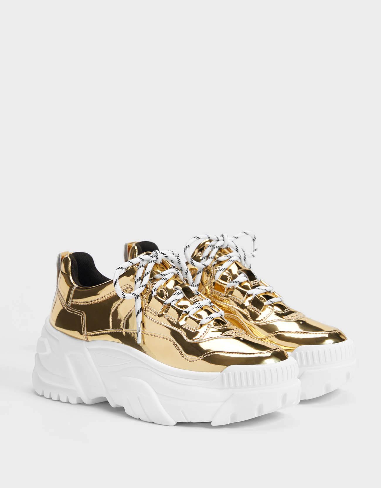 metalik dolgu topuk spor ayakkabı