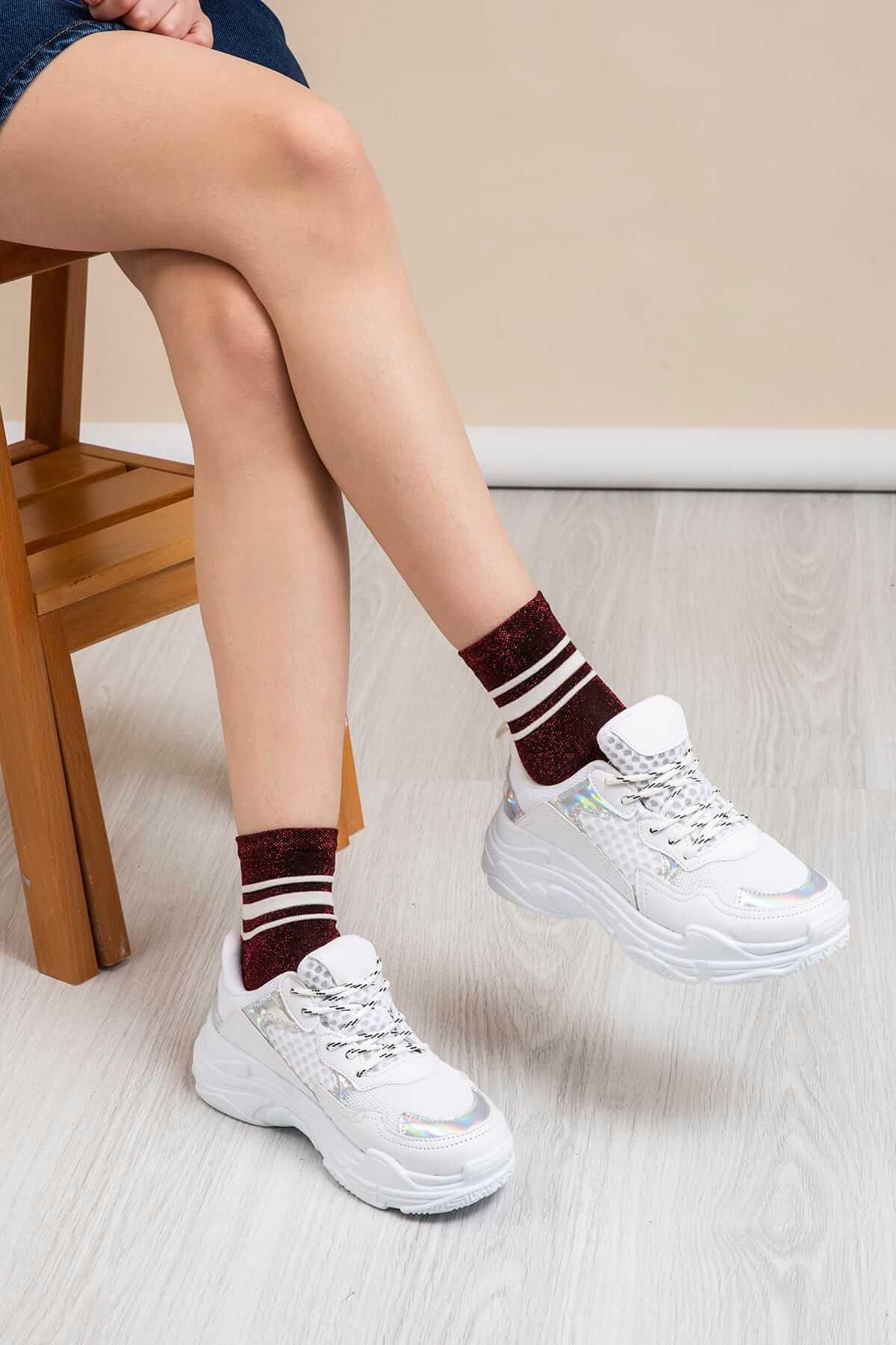 beyaz ışıltılı dolgu topuk spor ayakkabı